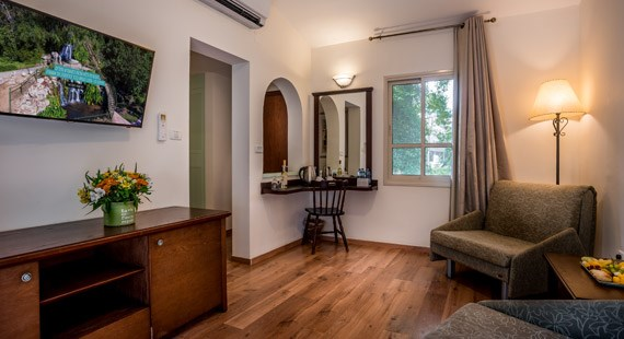 Country-Style Garden Suite